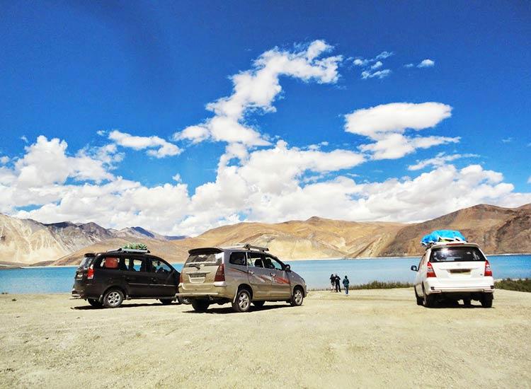 Jeep-safari-in-ladakh