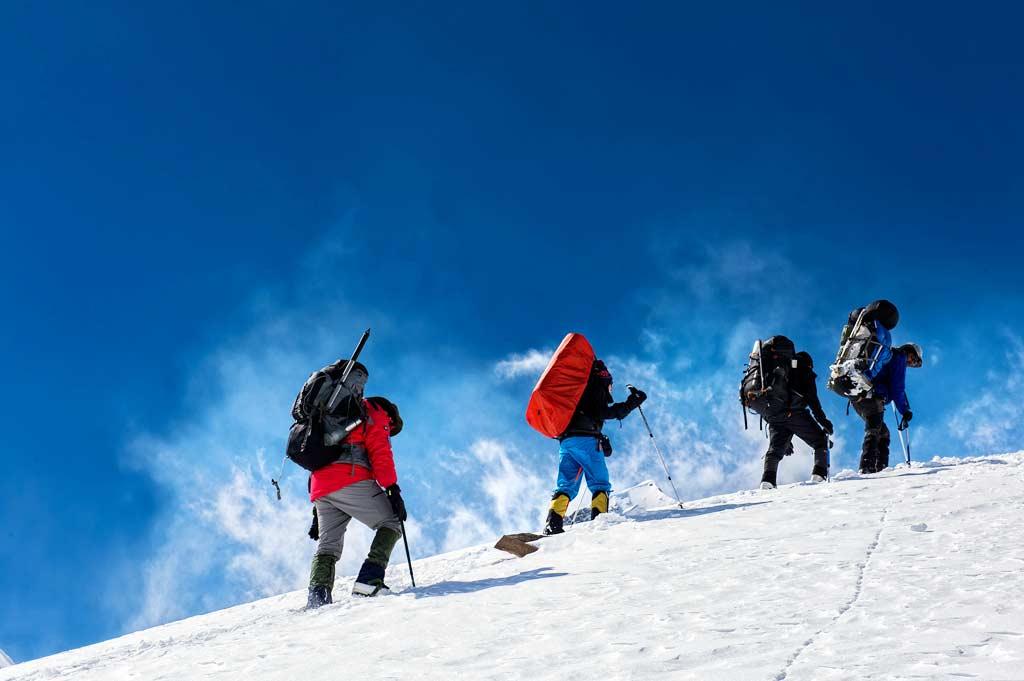 mountaineering in ladakh
