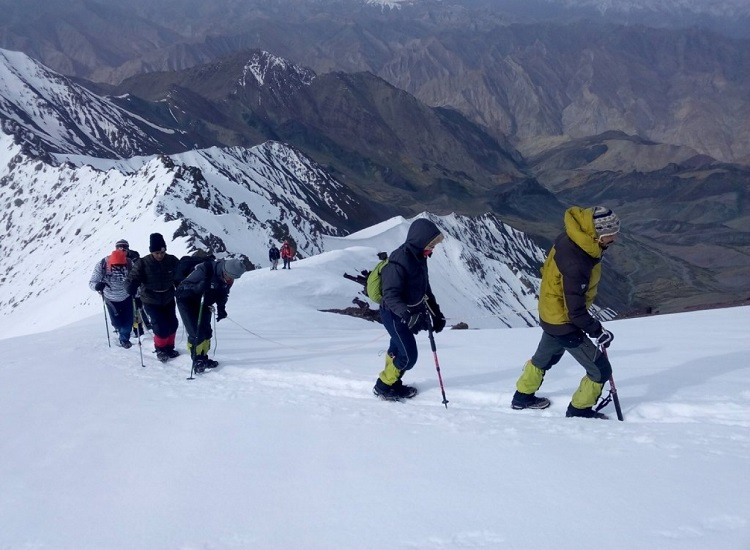 Go for Skiing Ladakh