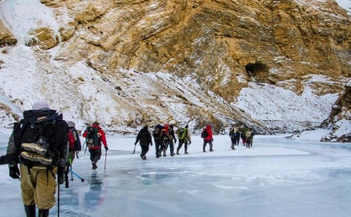 chadar-trek-on-Frozen-River-Trek